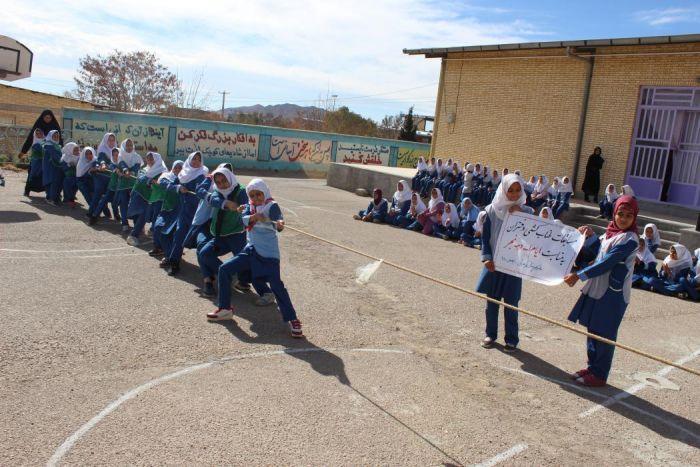 مسابقات طناب کشی دختران نوجوان