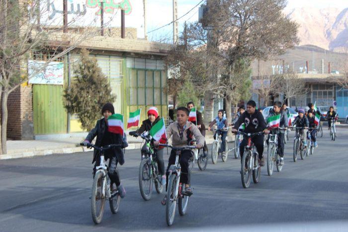 همایش دوچرخه سواری نوجوانان در روز ۱۲ بهمن