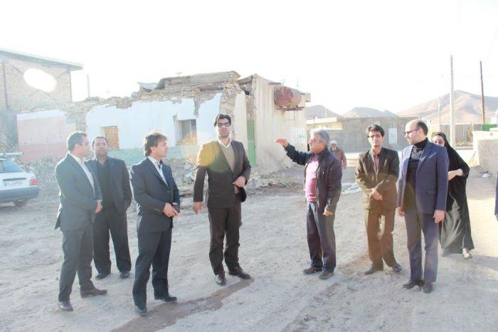بازدید مدیر کل اداره ورزش و جوانان از سالن های ورزشی و مشکلات اسکان زلزله زدگان