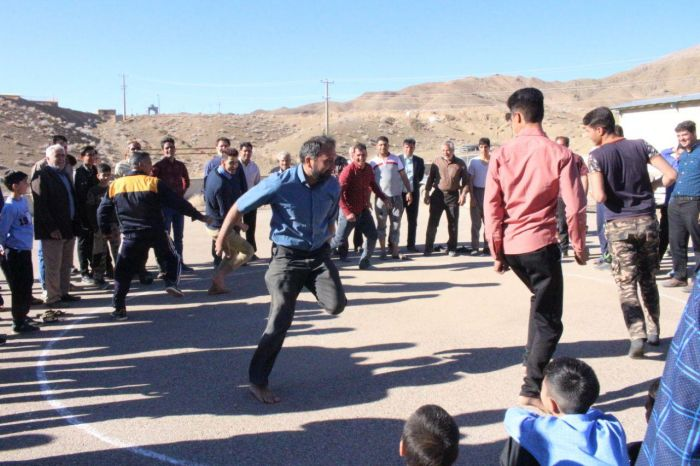 تصاویر بازی ماچلوس روستای خانمکان شهرستان کوهبنان