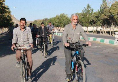 همایش دوچرخه سواری سالمندان شهرستان کوهبنان به مناسبت روز سالمند برگزارشد
