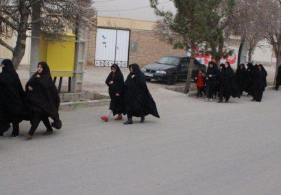 پیاده روی بانوان شهرستان کوهبنان به مناسبت چهلمین سالگرد پیروزی انقلاب اسلامی
