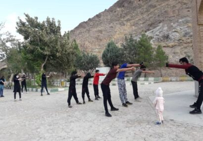 تمرین رزمی کاران شهرستان در فضای باز خواجه خضر