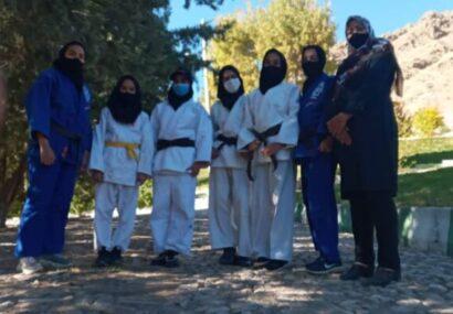 نرمش صبحگاهی دختران جودوکارشهرستان به مناسبت هفته تربیت بدنی