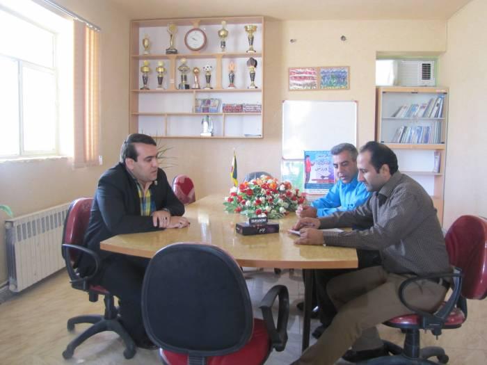 بازدید کارشناسان  ارزیابی  عملکرد و پاسخگویی به شکایات اداره کل استان از اداره ورزش و جوانان